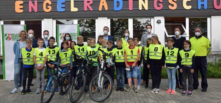 Land NRW unterstützt Radfahrausbildung an Schulen